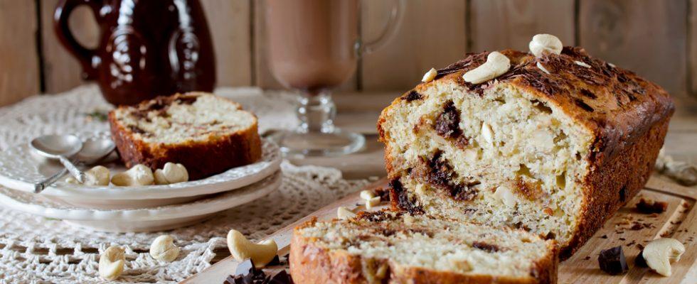 Plumcake allo yogurt con cioccolato e anacardi: perfetto per la colazione