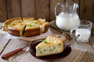 Torta salata formaggio e cipolle, secondo ricco e saporito