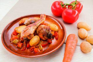 Cosce di pollo in umido al barbecue: succulenti