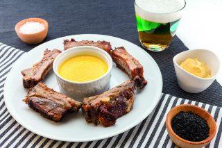 Costolette di maiale alla caraibica al barbecue: deliziose
