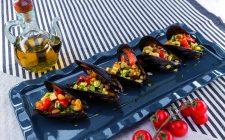 cozze-ripiene-al-barbecue-con-verdure-e-pepe-rosa-a1939-4