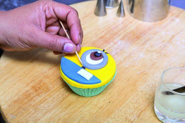 cupcake-minion-a-1712-19