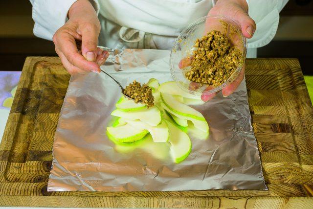 dessert-di-pere-e-nocciole-al-profumo-di-cannella-a1870-3