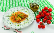 fiori-di-zucca-farciti-con-merluzzo-su-crema-di-pomodoro-fresco-a1947-5