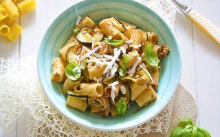 Pasta melanzane e noci: pranzo estivo