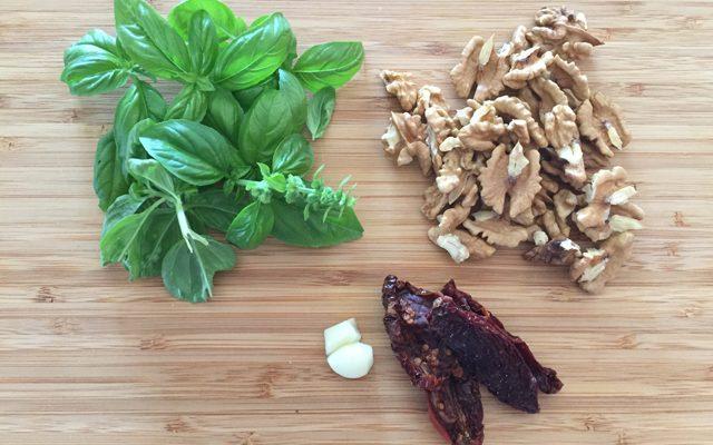 pasta-melanzane-noci-basilico-step-1