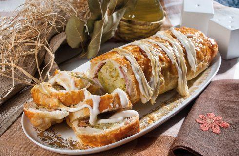 Strudel di crauti con carne affumicata e salsa alla senape, un antipasto gustoso e saporito