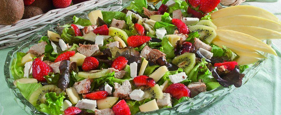 Tacchino speziato con feta e frutta mista, un secondo agrodolce