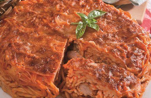 Timballo di spaghetti e polpette al sugo, un primo sfizioso
