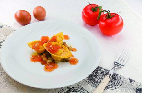 Tortelli bufala ed erbe con verdure grigliate al barbecue: sapore d'estate