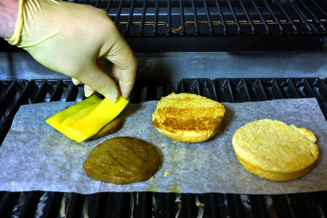 veg-burger-con-salsa-romesco-a1974-2