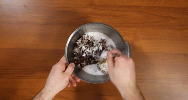 crostata-cioccolato-e-frutti-rossi-step-1
