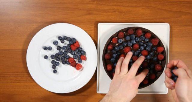 crostata-cioccolato-e-frutti-rossi-step-10