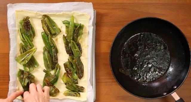 fiocco-di-sfoglia-friggitelli-provola-e-salsiccia-03
