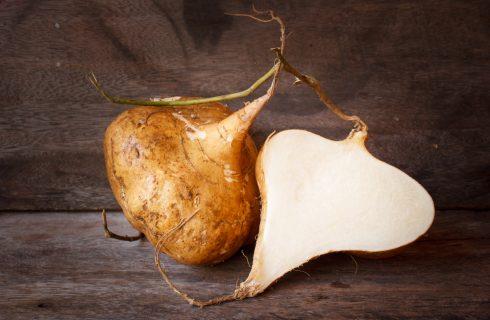 Cos'è la jicama? Proprietà e usi in cucina