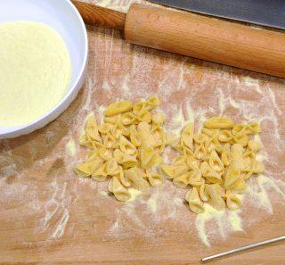 Pasta all'uovo da minestra: farfalline, con il bimby