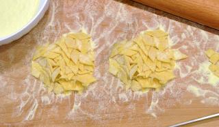 Pasta all'uovo da minestra: maltagliati, con il bimby