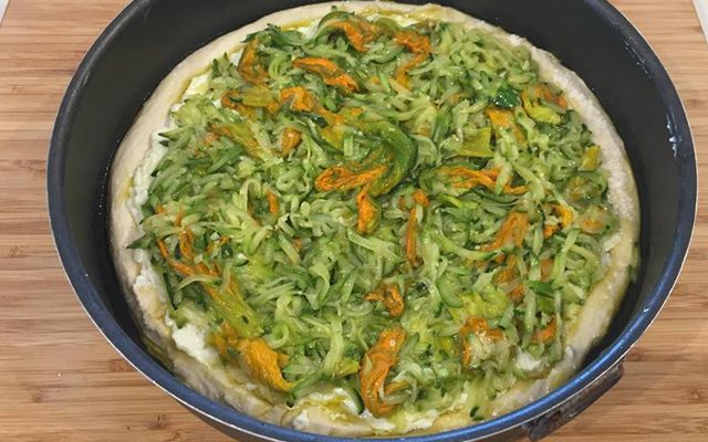 pizza-con-zucchine-fiori-di-zucca-e-ricotta-4