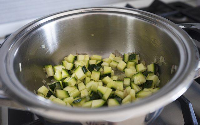 risotto-zucchine-e-gamberi-step-3