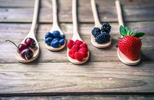 Tutti i benefici dei frutti rossi e come sfruttarli