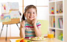 10 cibi che fanno davvero bene ai bambini