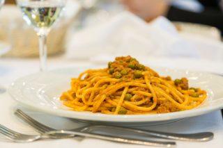 Gli spaghetti alla bolognese esistono in Italia?