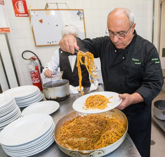 spaghetti-bolognese-3