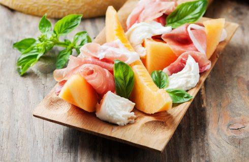 Prosciutto e melone, origini dell'antipasto estivo