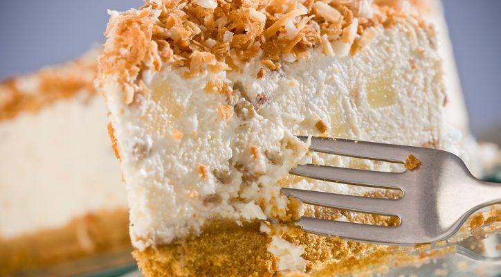 La ricetta della torta fredda al cocco e mascarpone