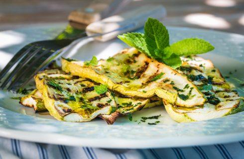 Come condire le zucchine grigliate: 7 idee gustose