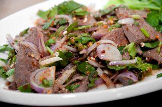 Insalata di fegato alla thailandese: velocissima