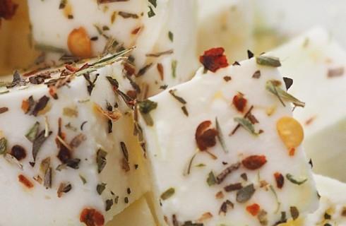 Feta marinata con spezie al bimby