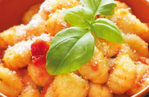 Gnocchi senza patate con pomodoro e basilico al bimby