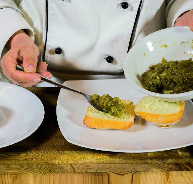 hamburger-con-caviale-di-melanzana-e-cialda-di-parmigiano-a1865-5