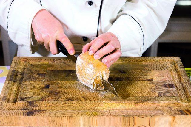hamburger-con-uovo-in-cipolla-scalogno-e-fontina-a1886-9