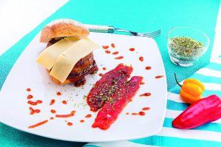 Hamburger di manzo e maiale al curry con fontina, al barbecue
