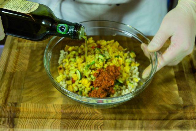 insalata-di-orzo-con-verdure-grigliate-pesto-di-pomodori-secchi-e-pecorino-a1874-10