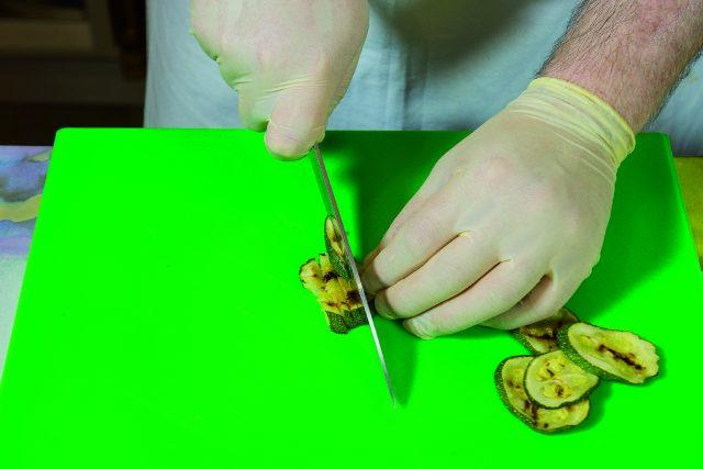 insalata-di-orzo-con-verdure-grigliate-pesto-di-pomodori-secchi-e-pecorino-a1874-6