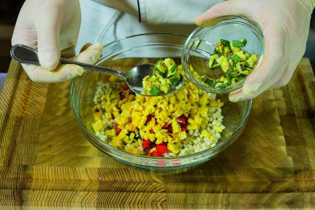 insalata-di-orzo-con-verdure-grigliate-pesto-di-pomodori-secchi-e-pecorino-a1874-8