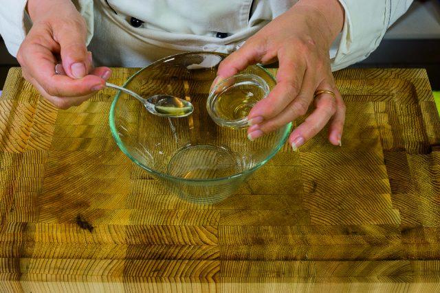 insalata-di-pere-e-prosciutto-con-vinaigrette-allo-champagne-a1873-1
