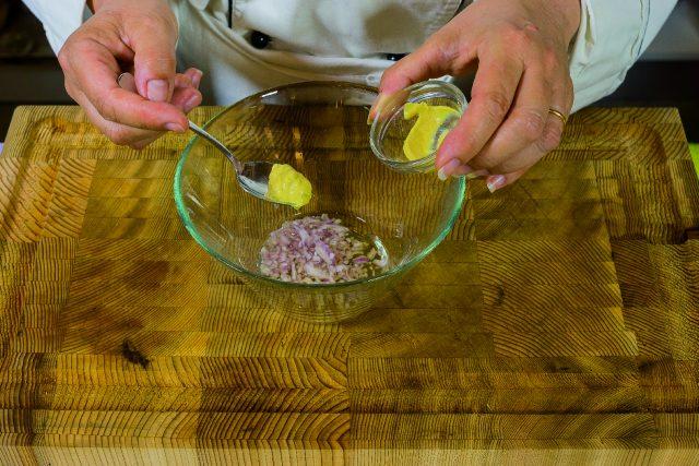 insalata-di-pere-e-prosciutto-con-vinaigrette-allo-champagne-a1873-3