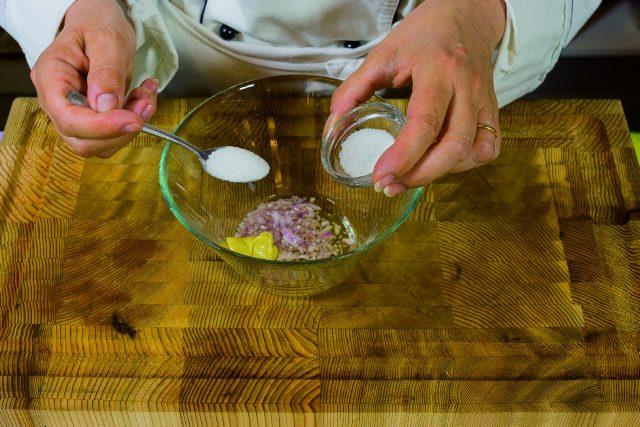 insalata-di-pere-e-prosciutto-con-vinaigrette-allo-champagne-a1873-4