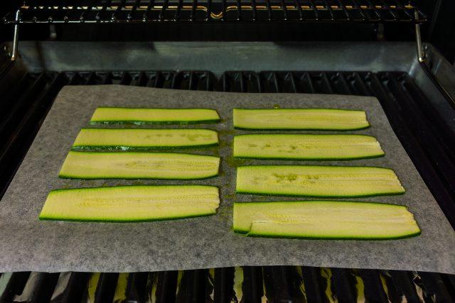 involtini-di-zucchine-e-pancetta-su-pesto-di-noci-a1970-3