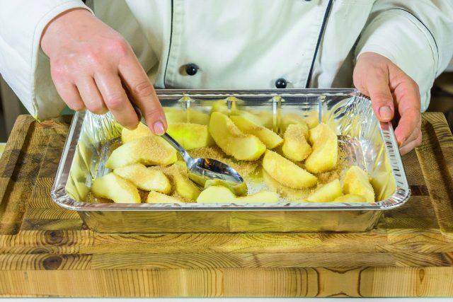 petto-di-pollo-alla-senape-con-mele-e-salsa-al-cocco-a1844-11