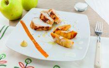 Petto di pollo alla senape con mele e salsa al cocco al barbecue: secondo gustoso