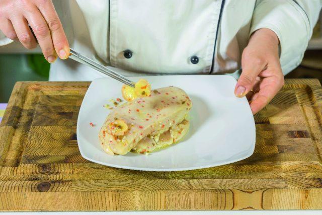 petto-di-pollo-alla-senape-con-mele-e-salsa-al-cocco-a1844-8