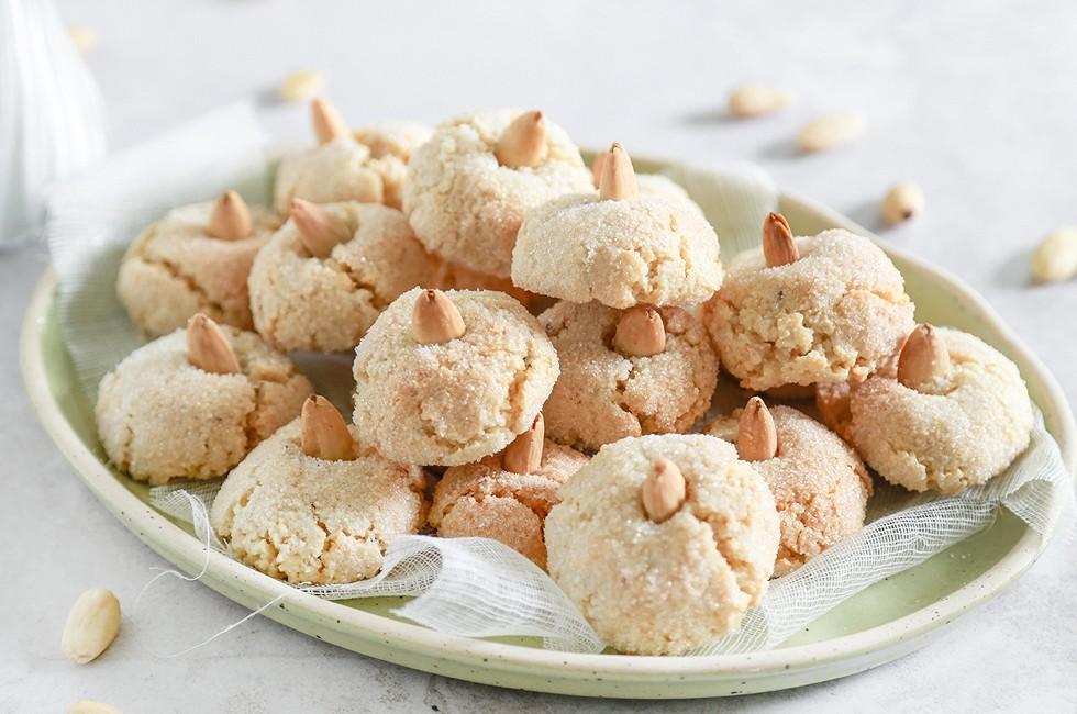 Amaretti sardi ricetta tipica con mandorle agrodolce for Ricette dolci sardi