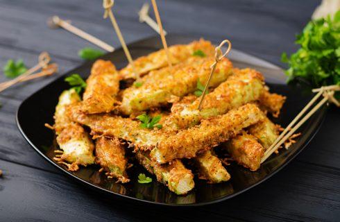 I bastoncini di zucchine al forno senza uova
