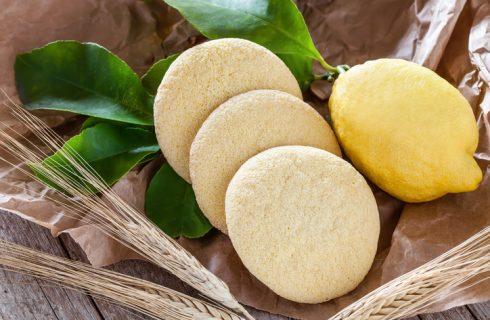 Biscotti al limone light, la ricetta veloce