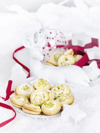 Biscotti all'anice con marmellata di arance e granella di pistacchio al bimby